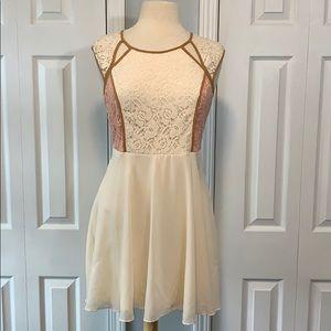 NWT Mystree cream/apricot lace top dress